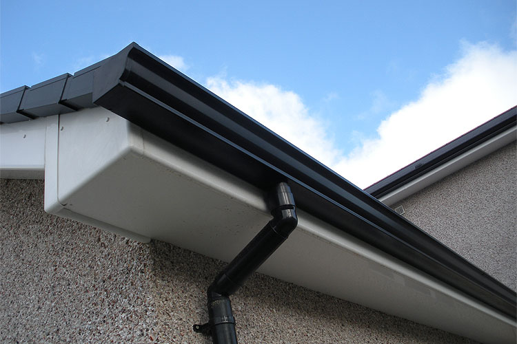 Fascia And Soffit Replacement Replacement Guttering